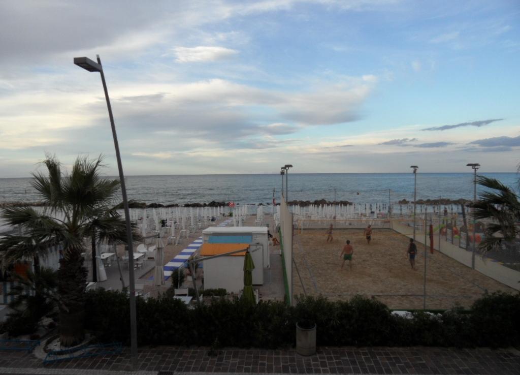 Lungomare spiaggia Porto Recanati